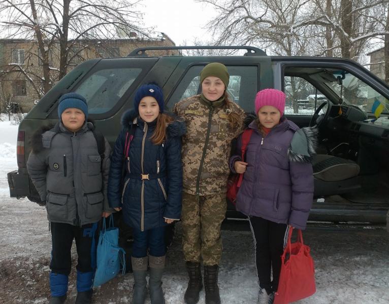 Панночка Іванна з дітьми
